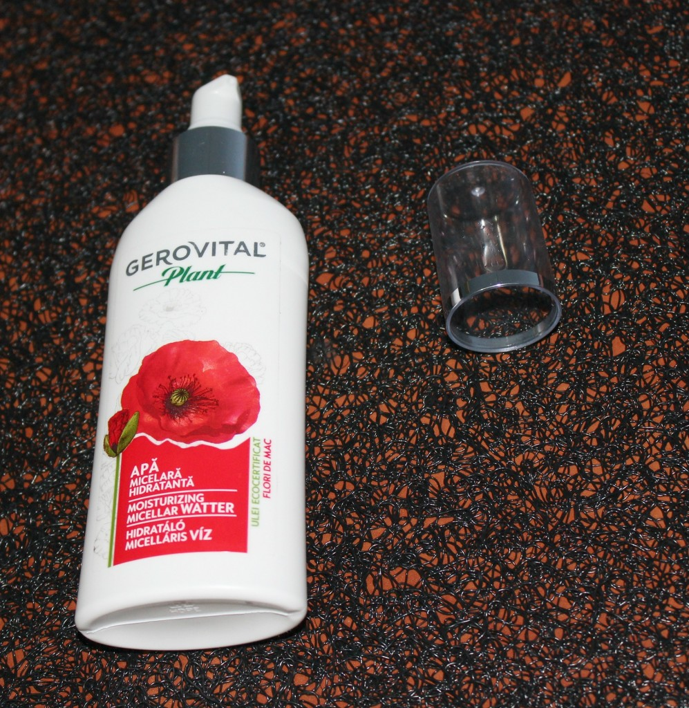 Gerovital-plant-moisturizing-micellar-water-with-organic-poppy-oil-beautyinfiveminutescom1