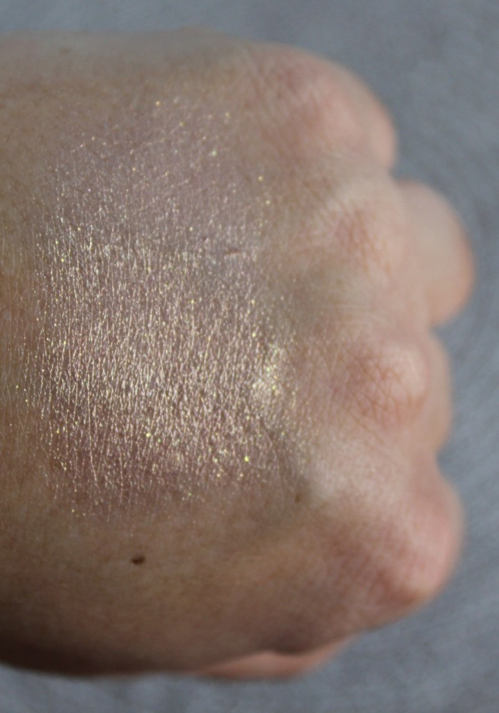 Mustaev-COLOR POWDER MOONLIGHT - CHAMPAGNE -beautyinfiveminutescomSWATCH