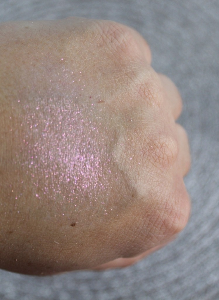 Mustaev-COLOR POWDER STARLIGHT - PINK-beautyinfiveminutescom-swatch