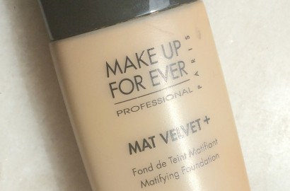 MakeUpForEver-MattVelvet+Foundation-beautyinfiveminutescom