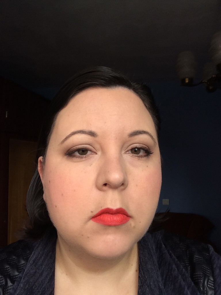 Red hot lip make-up look2
