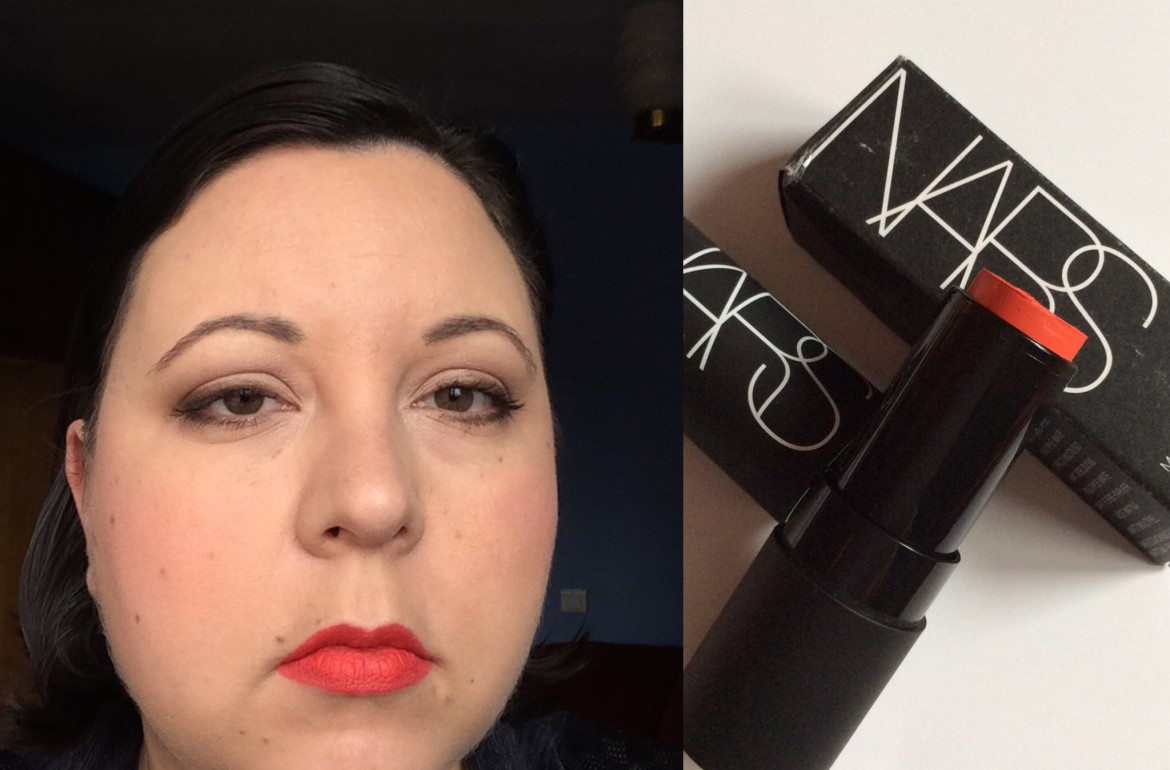 Red hot lip make-up look3