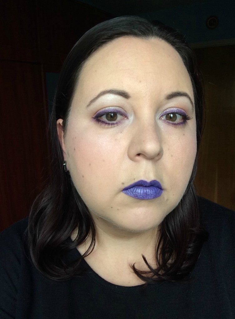 purpleandsilver_halloweeninspired_make-up_beautyinfiveminutescom-1
