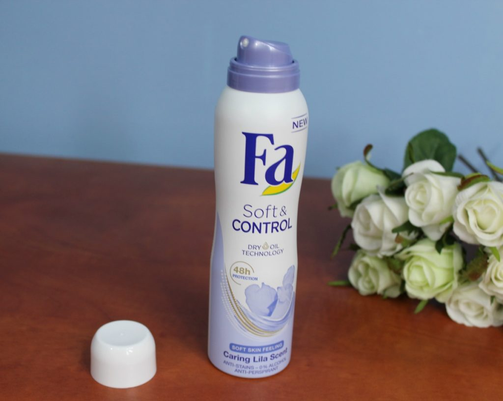 FA_SOFT&CONTROL_ANTI-PERSPIRANT_SPRAY_beautyinfiveminutescom2