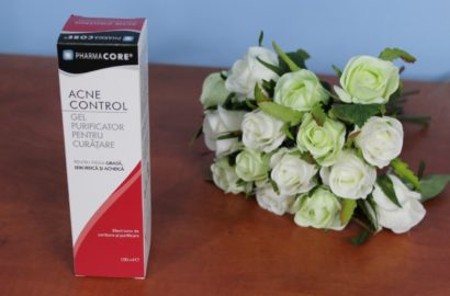Pharmacore-AcneControl_PurifyingCleanser_beautyinfiveminutescom