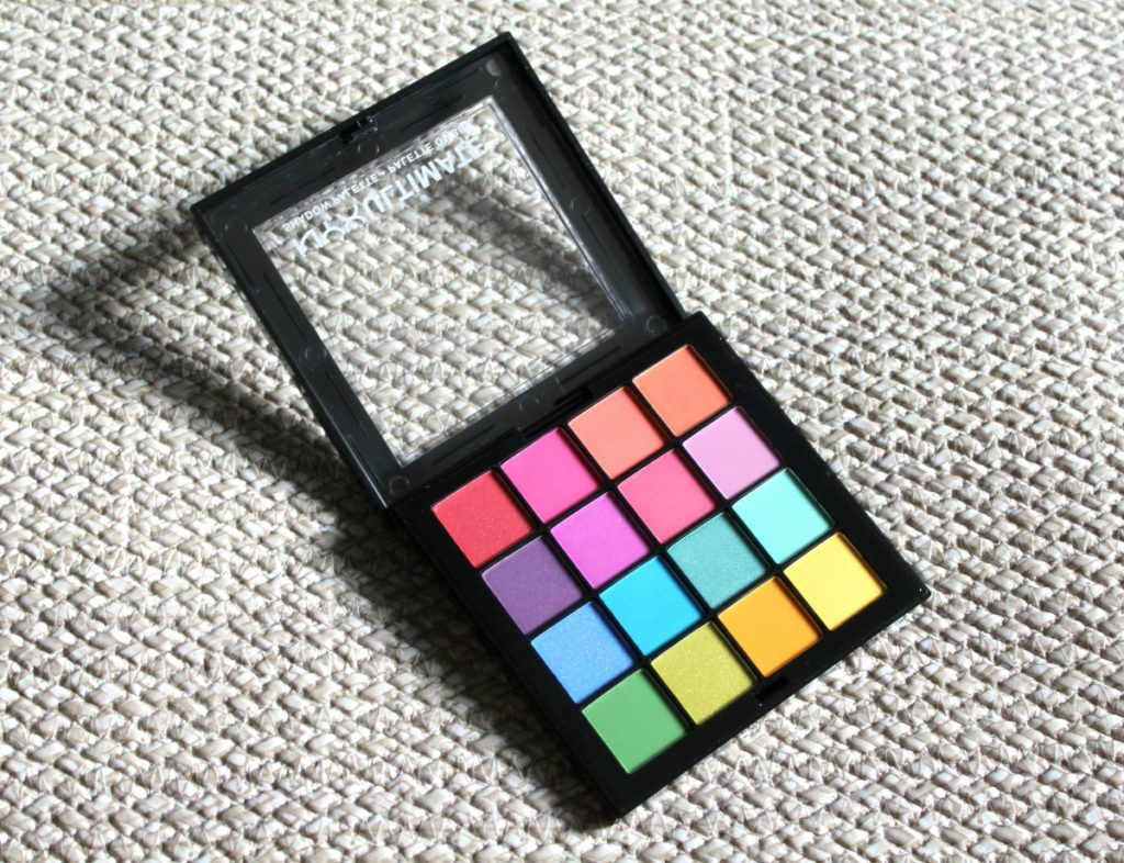 NYX_Ultimate_ShadowPalette_Brights_beautyinfiveminutescom1