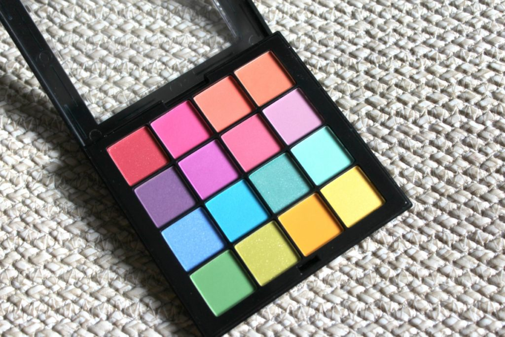 NYX_Ultimate_ShadowPalette_Brights_beautyinfiveminutescom3
